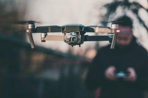 como volar un drone